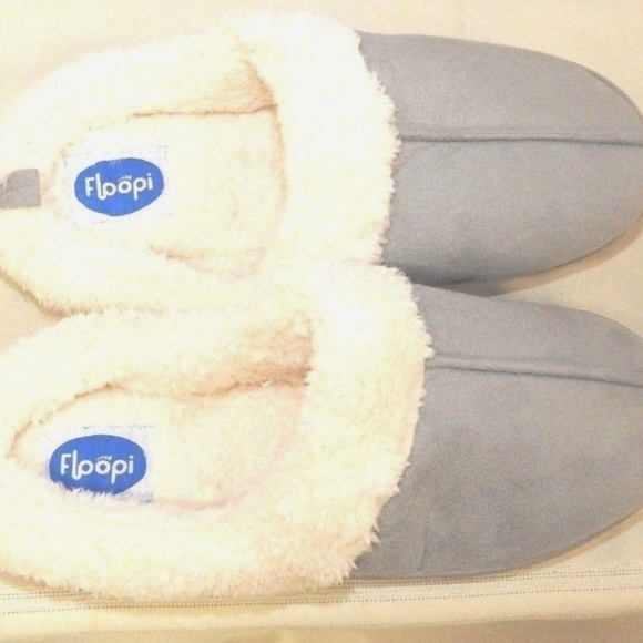 f303580d12d Womens Indoor Outdoor Faux Fur Lined Clog Slipper. NWT. Floopi.  30  90.  Size. L 9-10